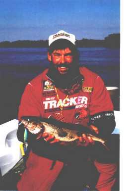 Dan Vinovich with a nice Illinois river Sauger
