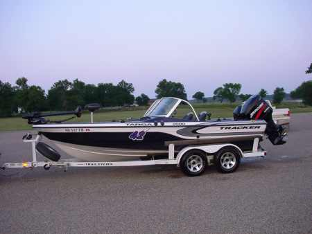 Johnnie candle 39 s tracker boat for sale from walleyes inc for Walleye fishing boats for sale