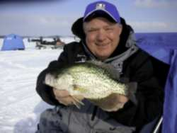Late ice sight fishing secrets by dave genz on walleyes inc for Dave genz fish trap