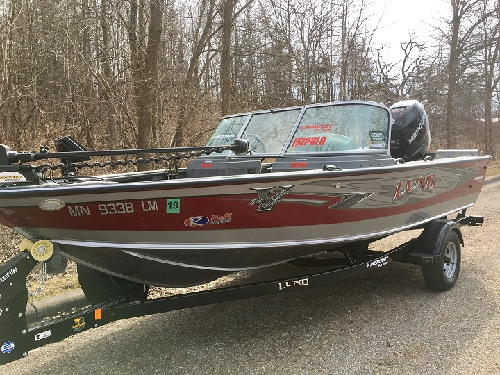 Troy smutkas lund boat for sale on walleyes inc for Walleye fishing boats for sale