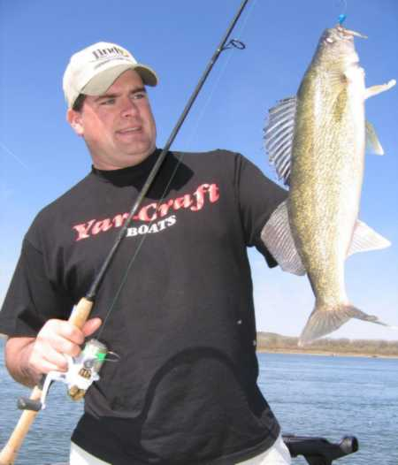 Walleye fishing on north dakota s missouri river for Walleye fishing in missouri