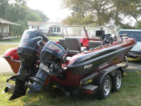 Benjamin h suhr 39 s triton boat for sale on for sale on for Walleye fishing boats for sale