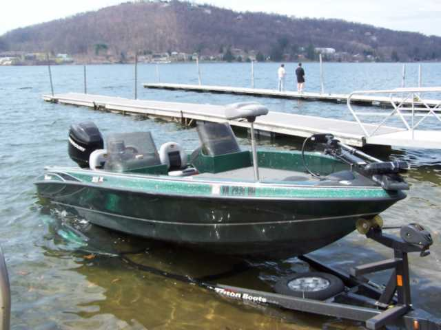 Chad menster 39 s triton boat for sale on walleyes for Walleye fishing boats for sale