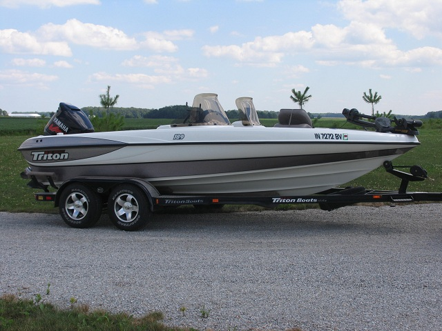 Jamie eisenhut 39 s triton boat for sale on walleyes for Walleye fishing boats for sale