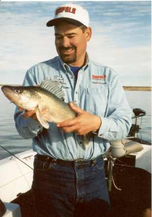 Rick Olson proves once again that dead rods can produce good quality walleyes