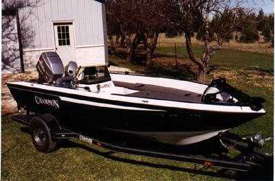 Mike Gelms Champion boat is for sale
