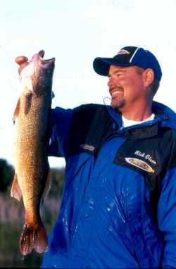Author Rick Olsen Hoista a fine Reservoir Bridge Walleye